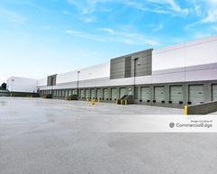 Cedar Logistics Center - Bloomington