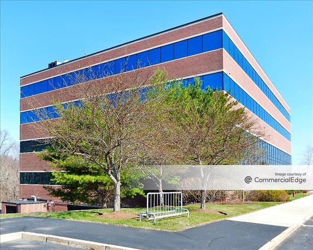 9/90 Corporate Center - 175 Crossing Blvd