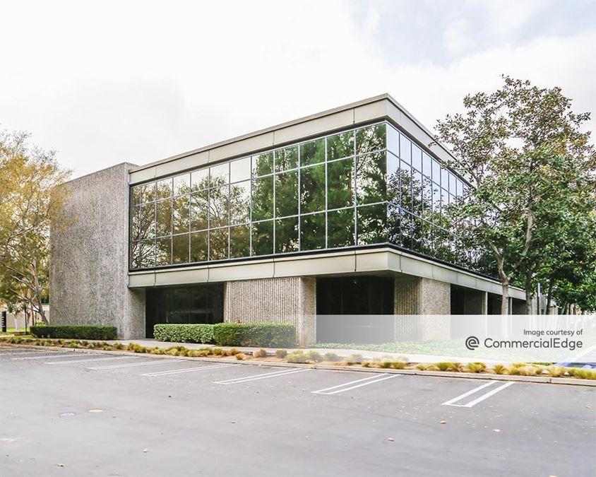 Von Karman Corporate Center - Building 1