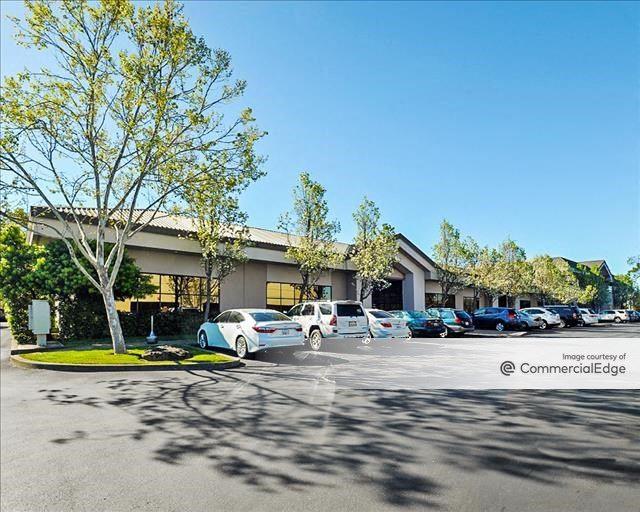Oak Valley Business Center - 451 Aviation Blvd