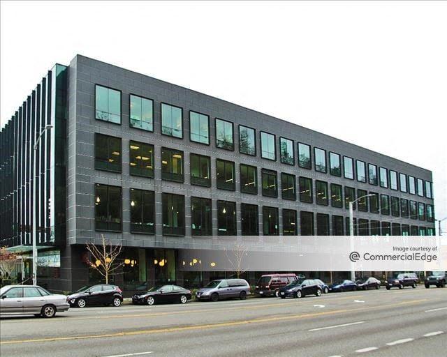 Elliott Park - 645 Elliott Avenue West