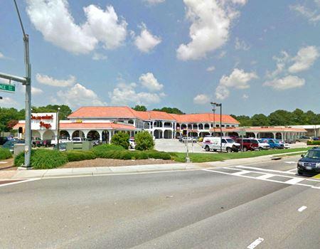 Independent Plaza Shopping Center - Virginia Beach