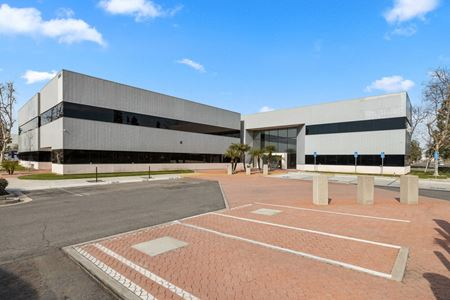 Office Space For Lease   Premier Location   Sunflower Corporate Center - Costa Mesa