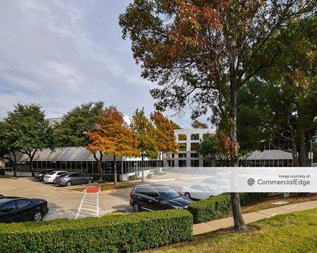 Offices at Brookhollow - Arlington