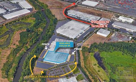 For Sublease > 123,120 SF Distribution Space - Portland