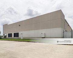 Bondesen North Business Park - 10642-10648 West Little York Road - Houston