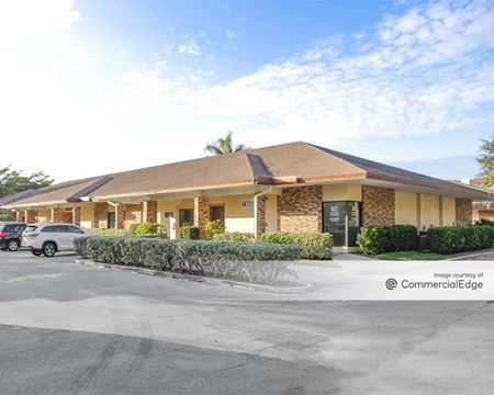 Poinciana Professional Plaza - Lake Worth
