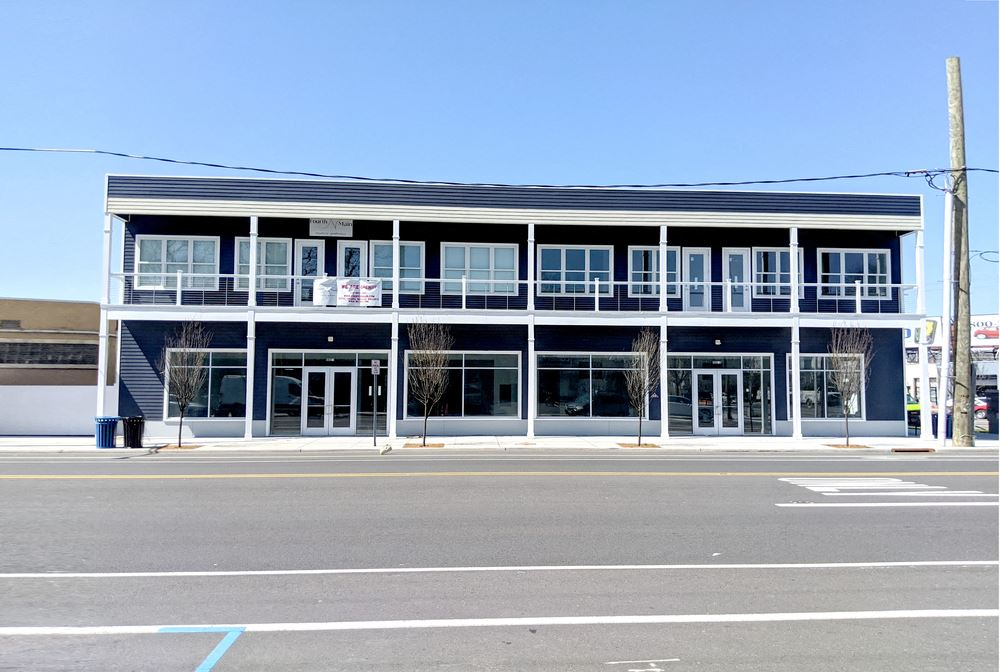 Newly constructed retail - office building