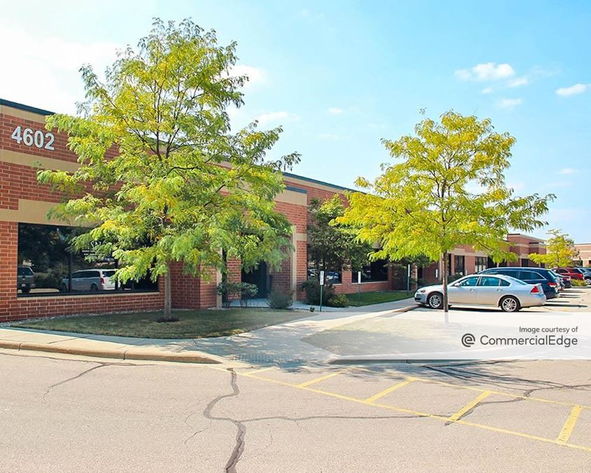 Madison East Business Center - 4602 & 4610 South Biltmore Lane