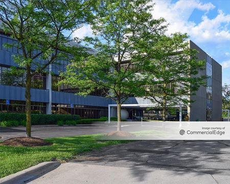 36800 Woodward Avenue - Bloomfield Hills