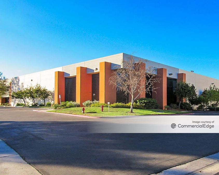 Lincoln Industrial Center II - 24700-24730 Avenue Rockefeller & 27460, 27420 Avenue Scott