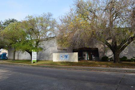 9450 Clarewood Drive - Houston