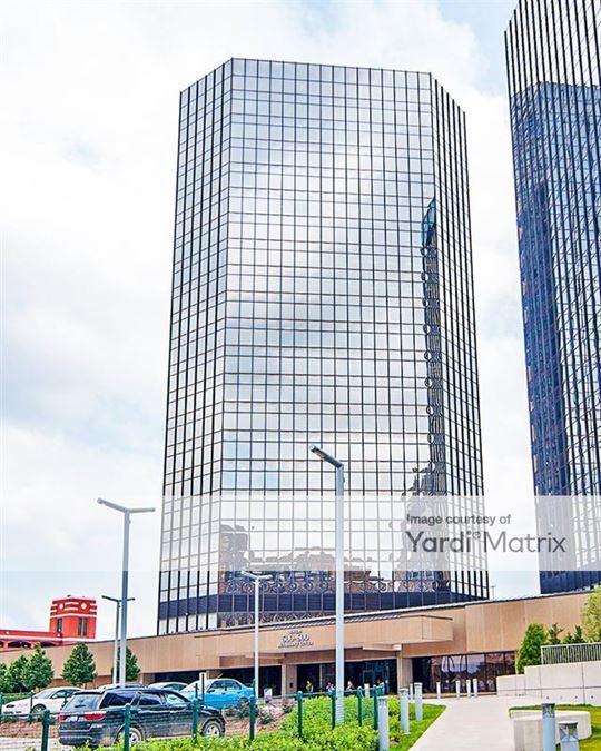 GM Renaissance Center - Tower 600