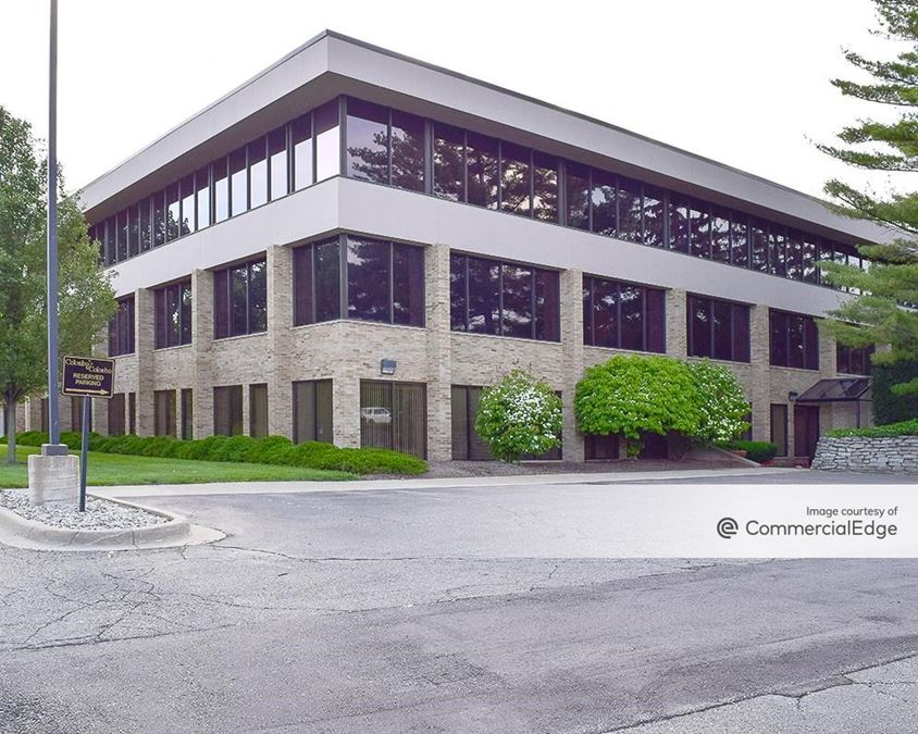 Bloomfield Office Center - 40701 Woodward Avenue