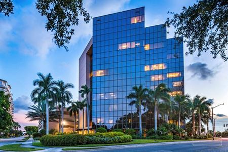 Clearlake Plaza For Lease - West Palm Beach