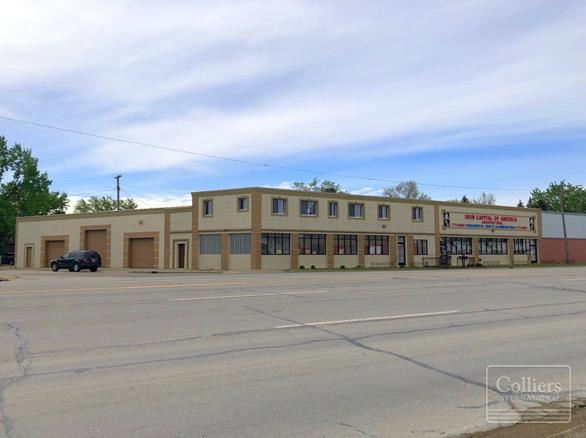 INDUSTRIAL / RETAIL FACILITY FOR SALE