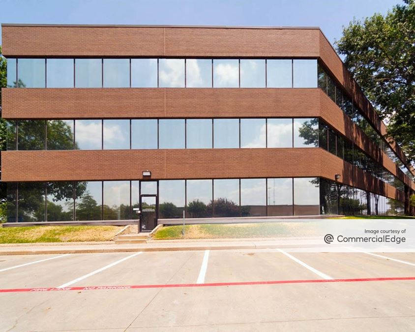 524 East Lamar Office Centre