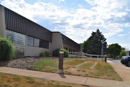 7233 Newman Building 2 - Dexter