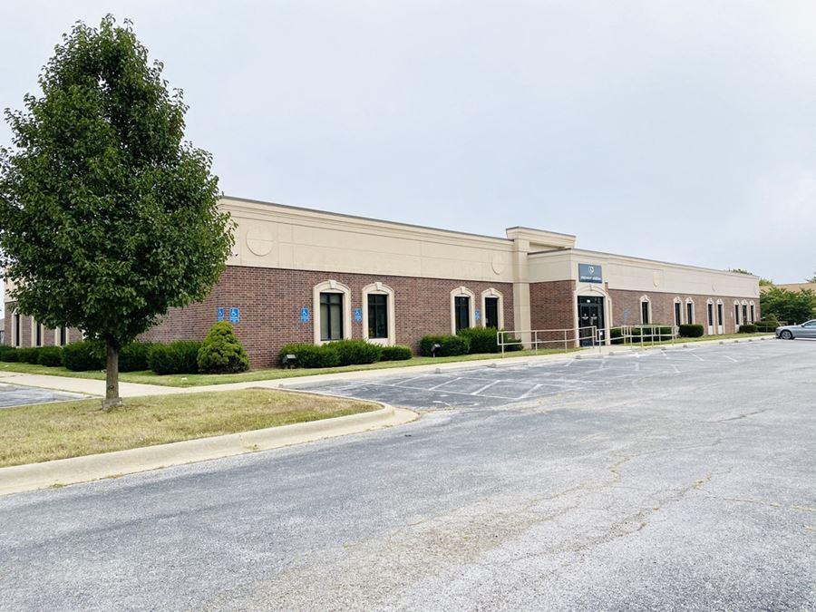 17,500' Office near Kansas & Battlefield
