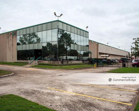 Pine Forest Business Park - 3801 Distribution Blvd - Houston