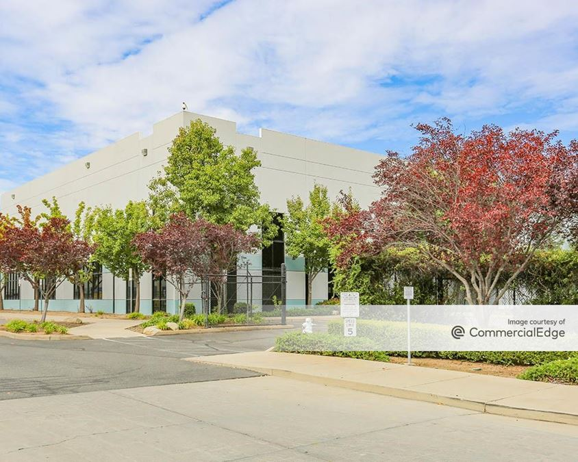 Sierra View Business Park - 8875 Washington Blvd