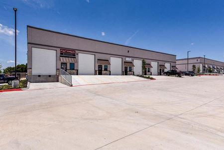 Crystal Falls Commerce Center - Leander