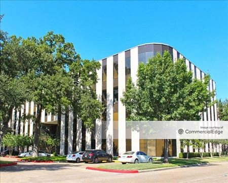 West Memorial Park - 8584 Katy Fwy - Houston