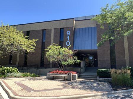 910 Skokie Blvd - Northbrook