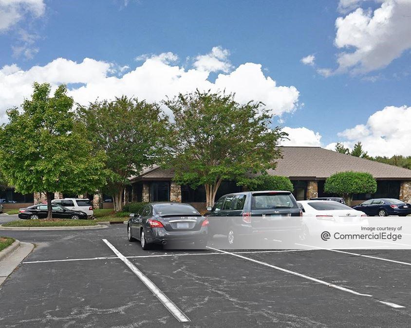 Mendenhall Business Park - 4194 & 4196 Mendenhall Oaks Pkwy