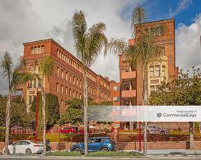 Zuckerberg San Francisco General Hospital and Trauma Center - Buildings 10 & 20