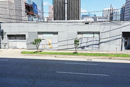 2020 Travis Street - Houston