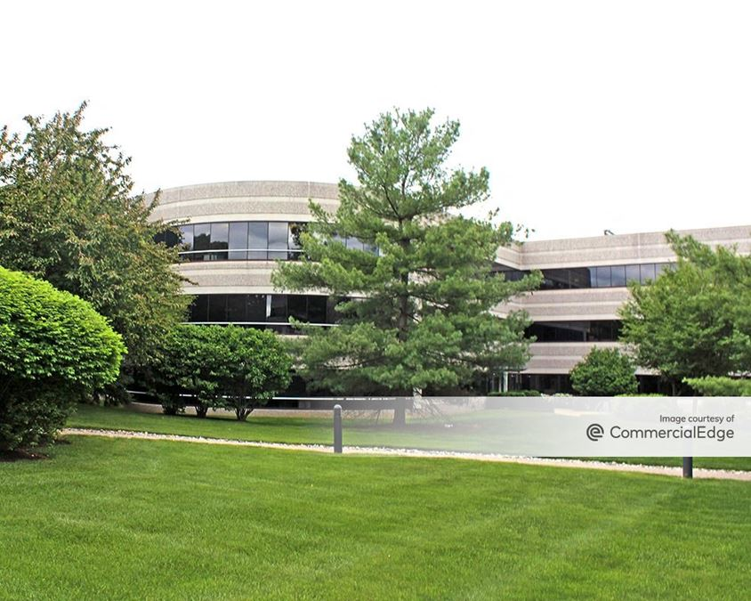 Chesterbrook Corporate Center - 725 & 735 Chesterbrook Blvd