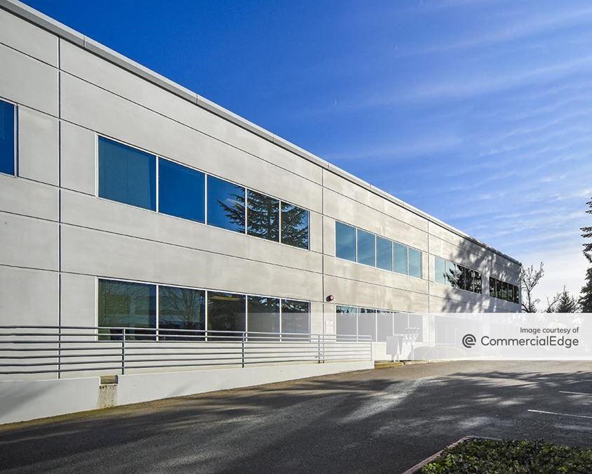 Kirkland 405 Corporate Center - Evergreen Building