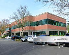 4710 Village Plaza Loop - Eugene