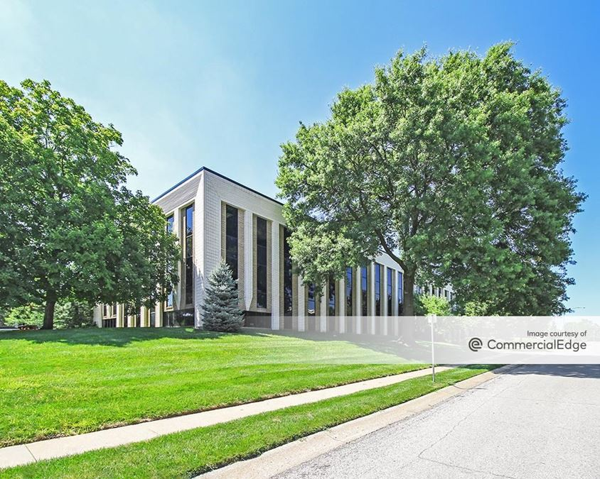 Cloverleaf Office Park - Buildings 4, 7 & 10