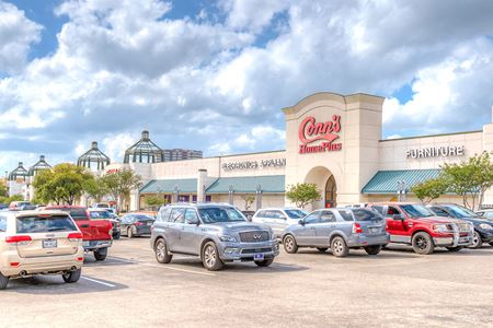 Pavilions North Shopping Center - San Antonio