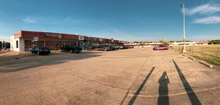 Marshall Plaza - Grand Prairie
