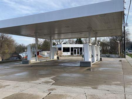 Gas Station / Self Storage - Algonquin