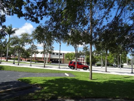 Classic Professional Building - North Miami Beach