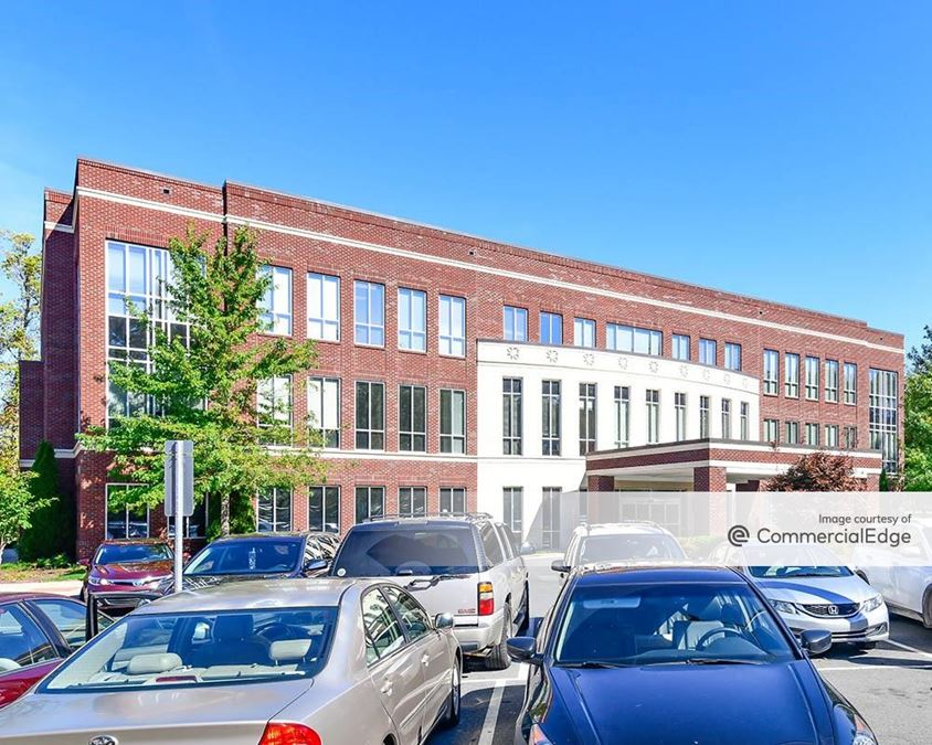 Matthews Parkway Corporate Center