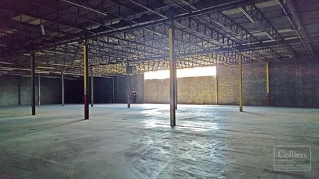HIGH CEILING CENTRAL NASSAU WAREHOUSE SPACE - Syosset