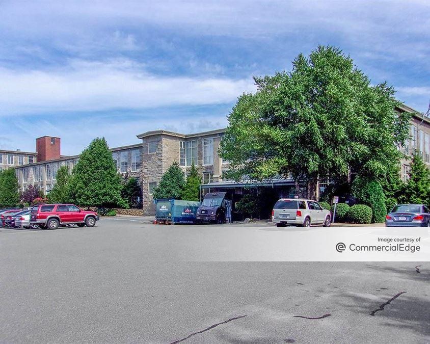 Clover Leaf Office Park - 21 Father DeValles Blvd