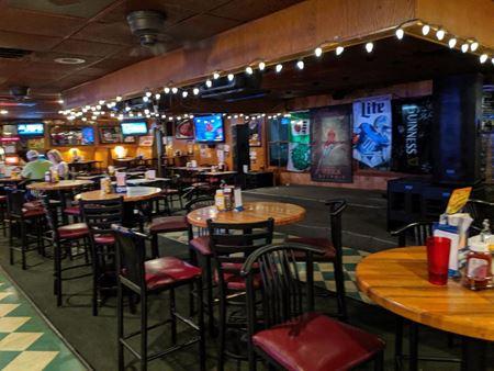 Moose MacGregor's Pub & Cafe - Brownstown
