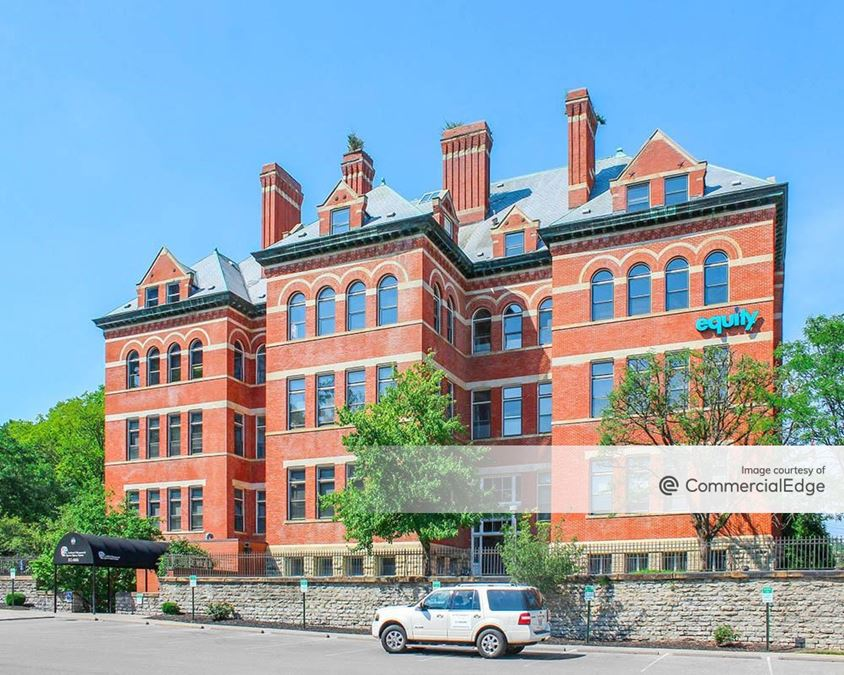 Lincoln School Professional Building