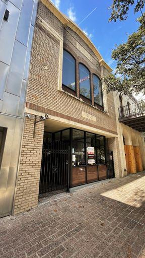 704 Congress Avenue - Austin