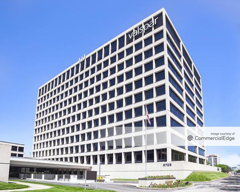 O'Hare Plaza - 8725 West Higgins