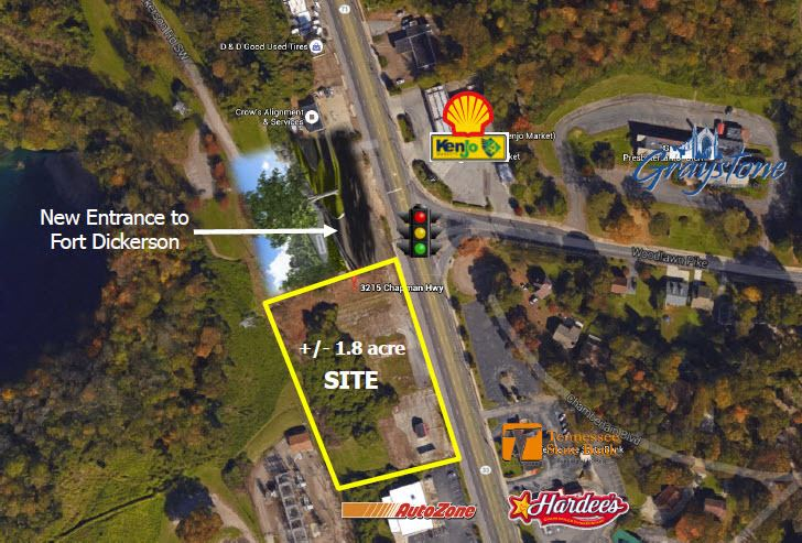 3215-3303 Chapman Hwy at Signalized Intersection