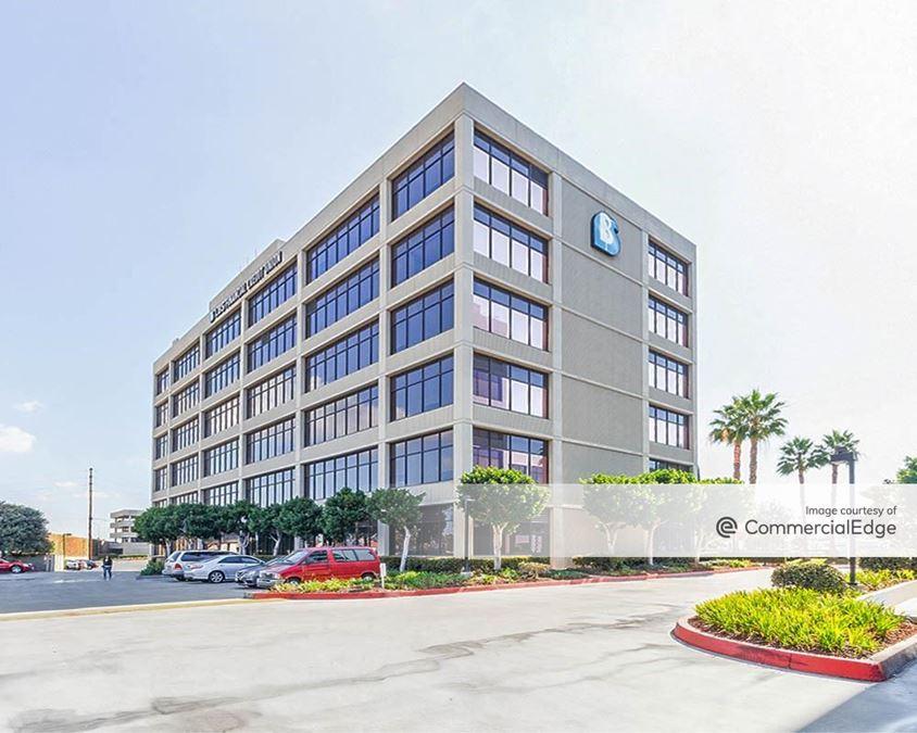 Avalon Center - 5505 Garden Grove Blvd