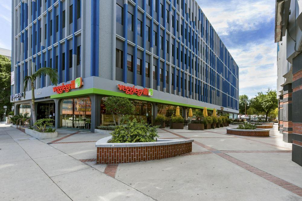 16542 - 16550 Ventura Blvd.