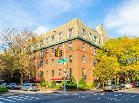 Hayes Court - Jackson Heights
